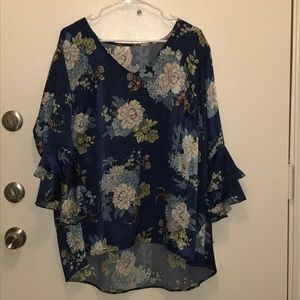 NWT NY Collection Blue Floral blouse  flowy sleeve